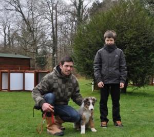 Izzy, 3 mois avec Grégory et Lenny