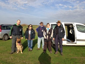 grand vent et douceur pour cet entrainement en terrain sablonneux. De gauche à droite : Greg, Florence, Alain, Françoise et Daniel.
